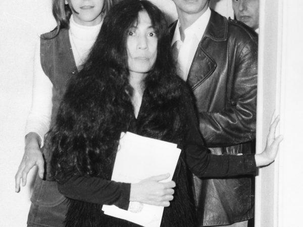 John Lennon – Yoko Ono, και P. Panoutso